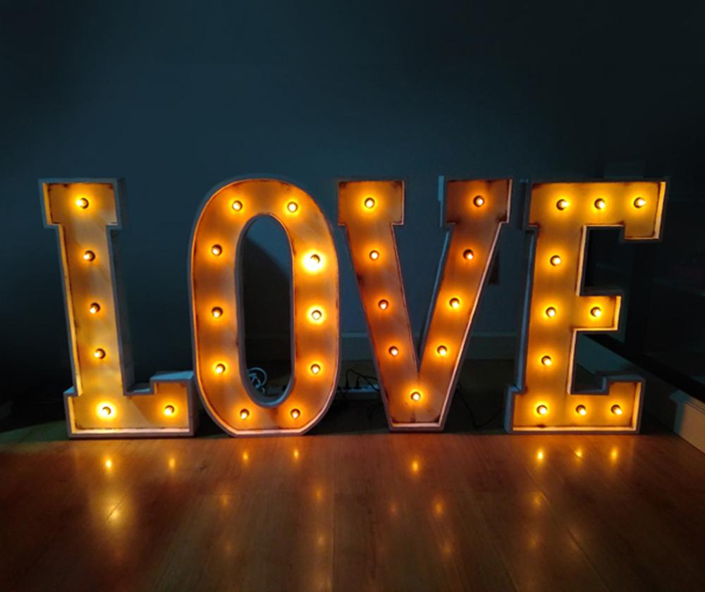 Letras lumnosas de alquiler para bodas y eventos LOVE