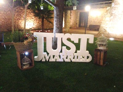 Rótulo porexpan/poliespan just married para decoracion de bodas