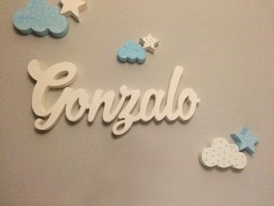 Nombre decorativo nubes y estrellas