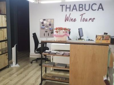 Logo corpóreo Thabuca Wine Tours (álava)