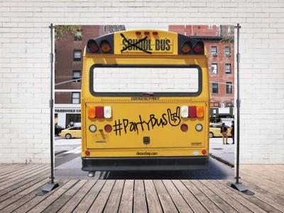 Photocall alquiler para bodas y eventos School Bus