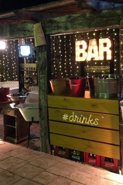 Rótulo luminoso personalizado drinks