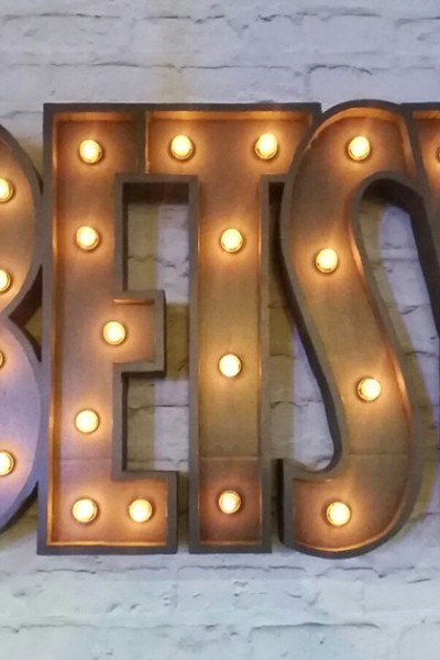 Rótulo Luminoso para taberna betsy (pontevedra)
